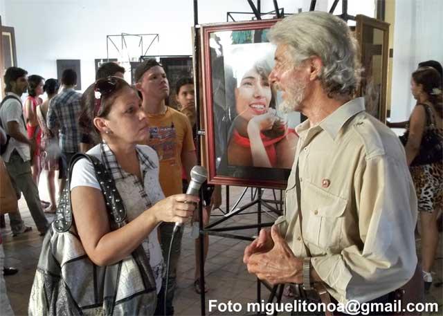 Ugalde en entrevista para la Televisión de Santiago de Cuba. Foto miguelitonoa@gmail.com