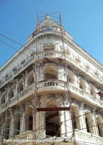 En Santiago de Cuba recuperan el Hotel Imperial. Foto miguelitonoa@gmail.com #SantiagodeCuba #Cubahace